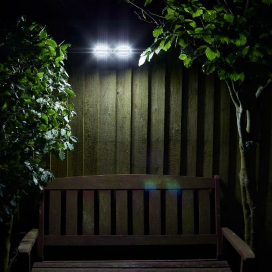 Smart Garden PIR Solar Powered Security Light 200 Lumen