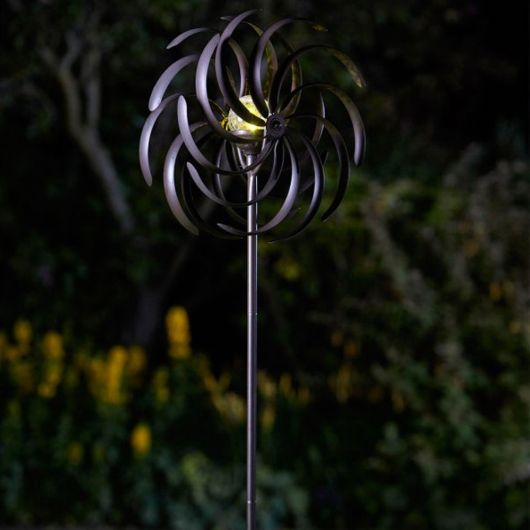 Smart Garden Spiro Wind Spinner with Solar Crackle Ball